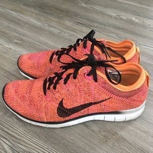 Nike Flynit free runs 5.0